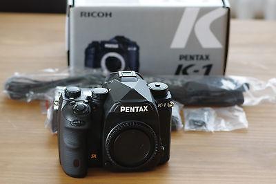 PENTAX K-1 Spiegelreflex Gehäuse Body K1 36 MP nur 2.000 Auslösungen