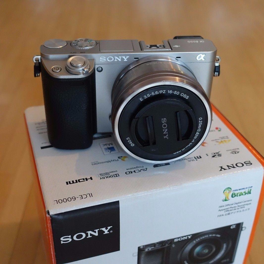 Sony Alpha ILCE-6000 silber, 24,3 MP, 16-50mm Objektiv, mit Zubehörpaket!!