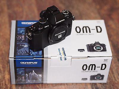 Olympus OM-D E-M5 16.1MP Digitalkamera - Schwarz - wenige Auslösungen