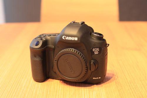 Canon 5D Mark III - Nur 4.525 Auslösungen - Wie Neu