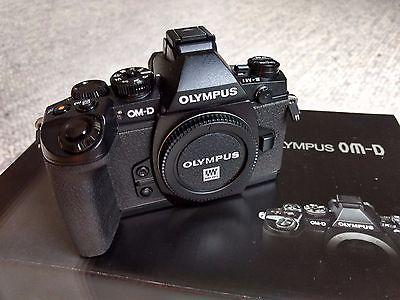 Olympus OM-D E-M1 16.0MP Micro Four Third - Body TOP ! 2818 Auslösungen