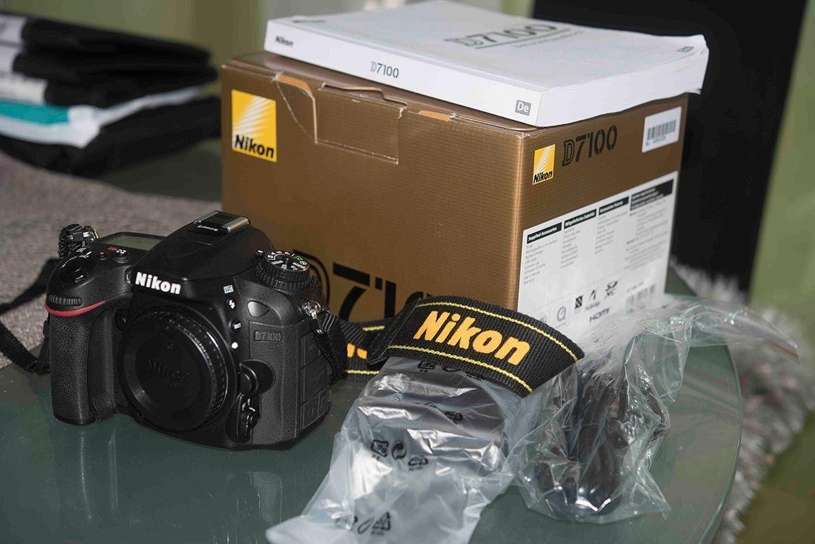 Nikon D7100 24,1 MP Neuwertiger Zustand