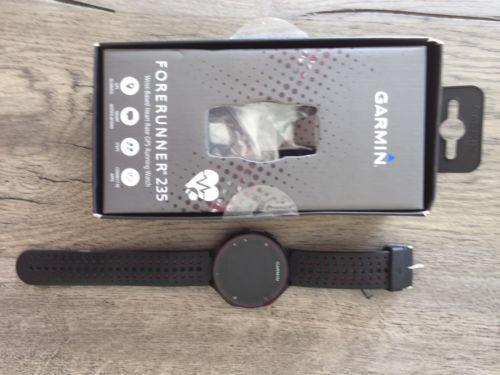 Garmin Forerunner 235 Smart Watch Joggen Herzfrequenzmesser Sehr guter Zustand