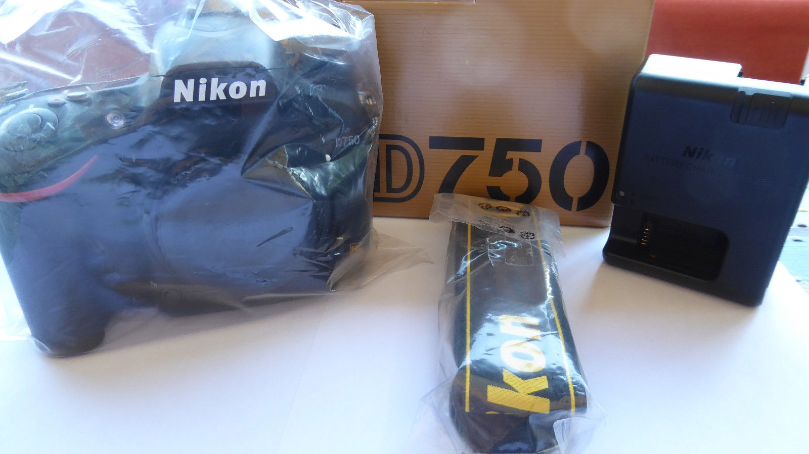 Nikon D750 - Schwarz (Nur Gehäuse)