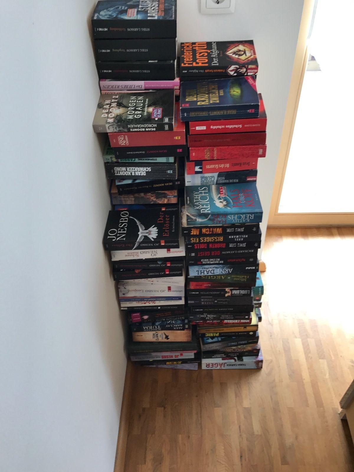 Bücher Thriller Paket ca. 160 Stück Taschenbücher Erotik
