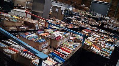ca. 100.000 Bücher versch. Rubriken - Genres