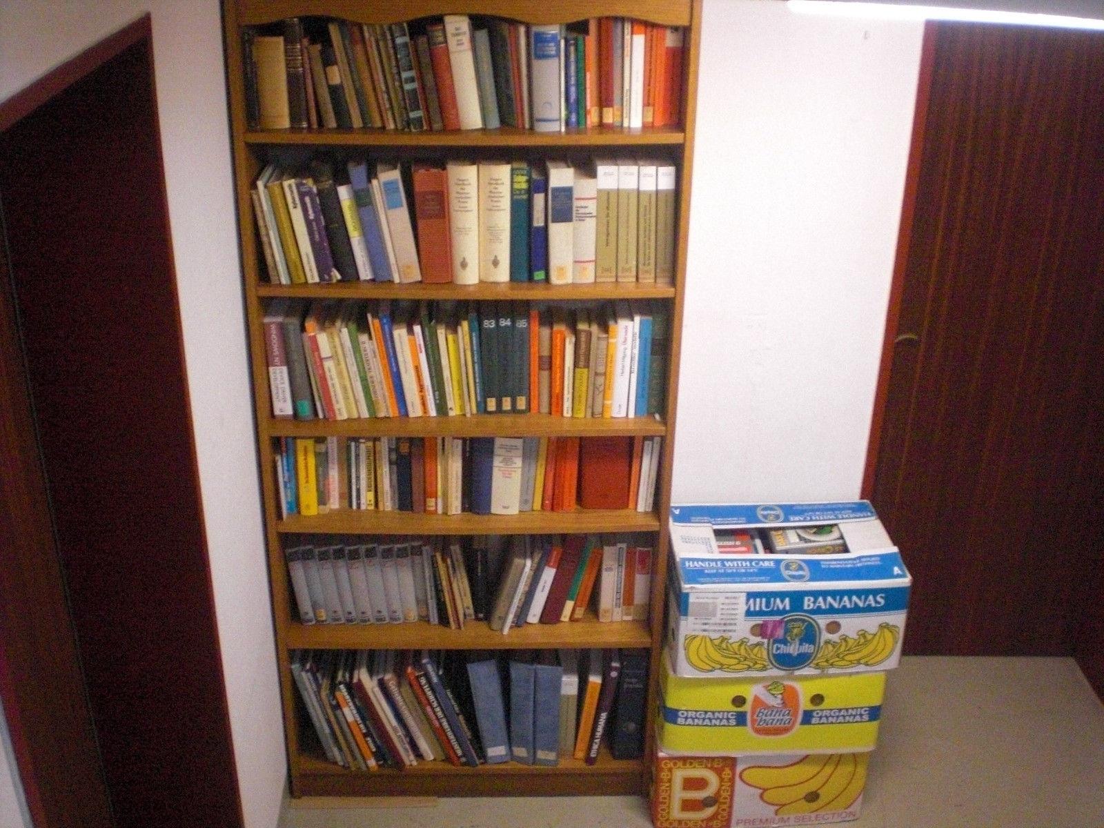 7 Kisten mit Fachbücher und Sachbücher wegen Haushaltsauflösung