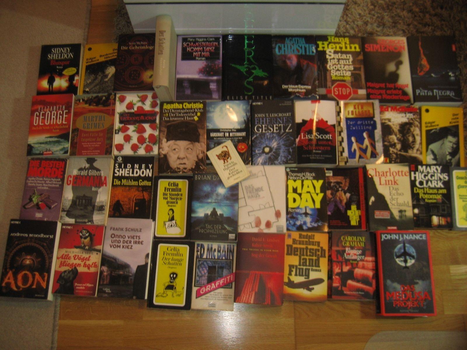 Büchersammlung 42 Stk. Romane Buchpaket Spannung nur Thriller Krimi Konvolut