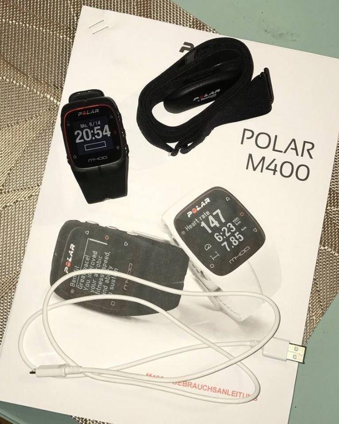 Polar M400 GPS-Pulsuhr Laufuhr Aktivitätstracker Trainingscomputer mit Zubehör