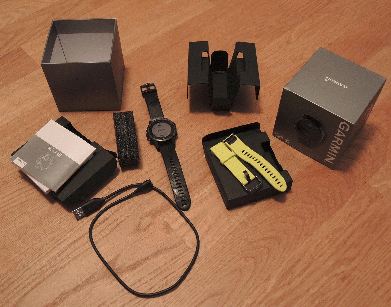 Garmin fenix 5S - Saphirglas-Edition - Schwarz mit schwarzem Armband