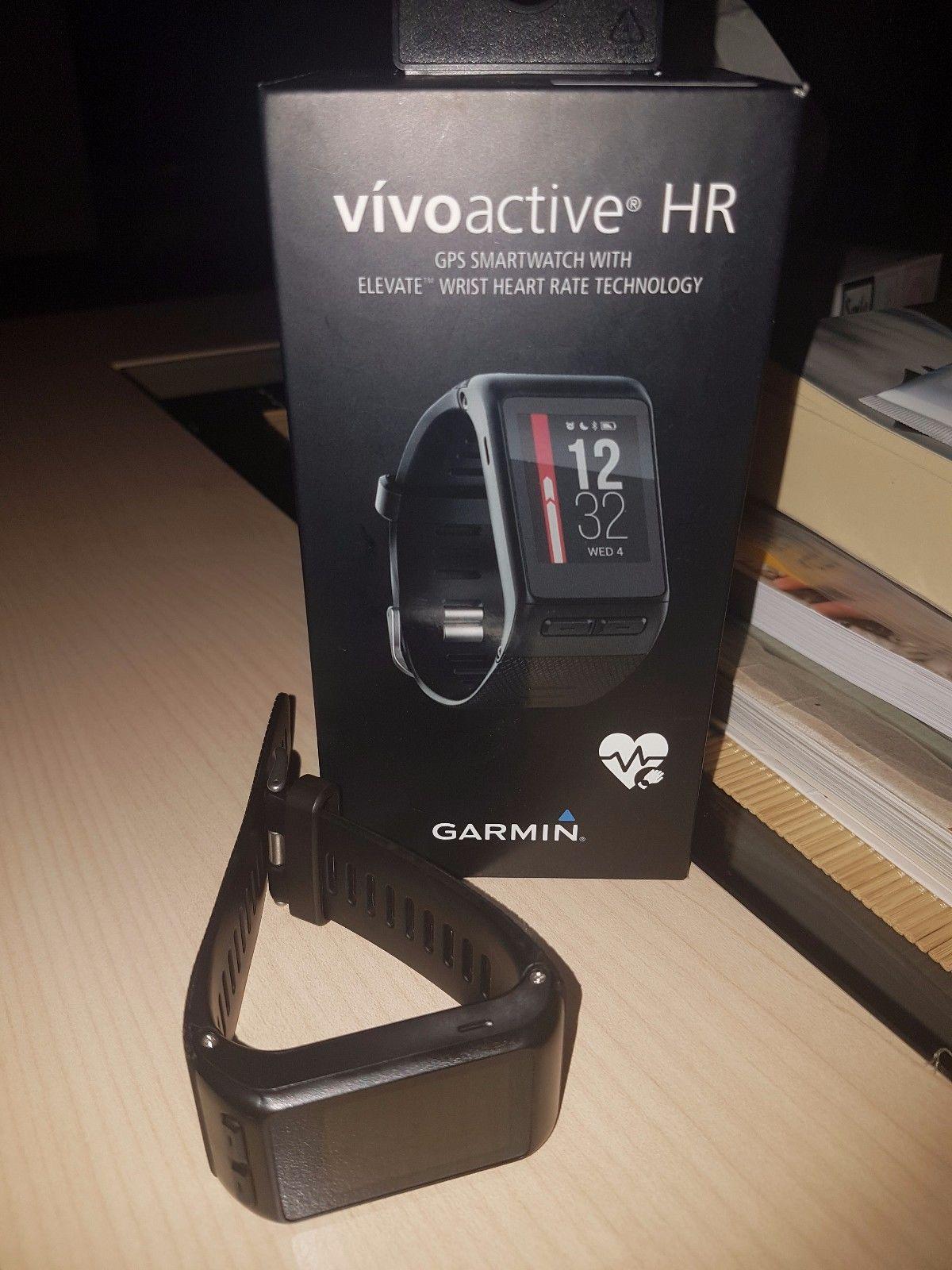 Garmin Vivoactive HR Fitness Tracker GPS Sport Uhr schwarz, wie neu