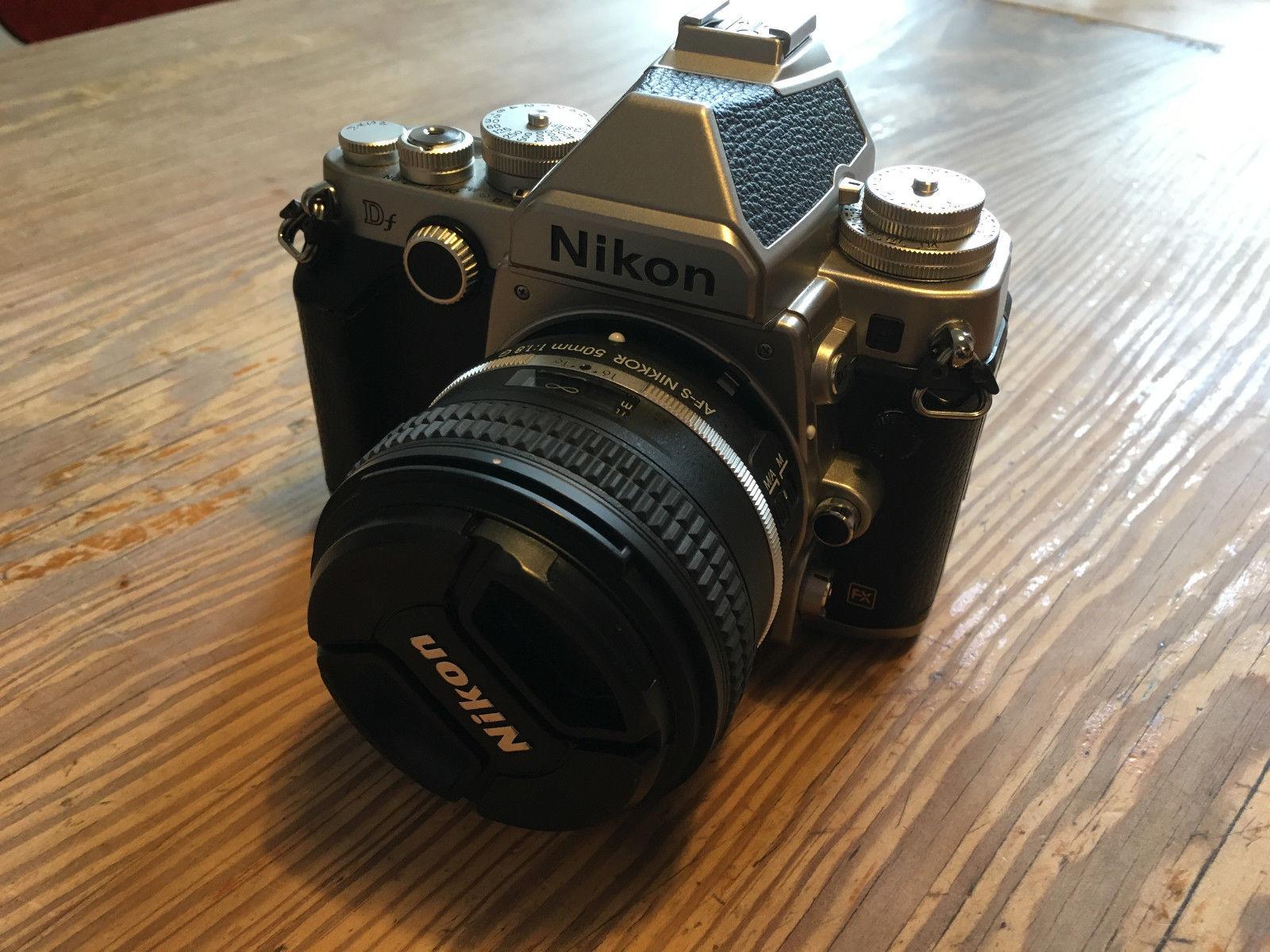 Nikon Df - Silber (Kit mit AF-S 50mm 1.8 Objektiv) - 17000 Auslösungen - wie neu