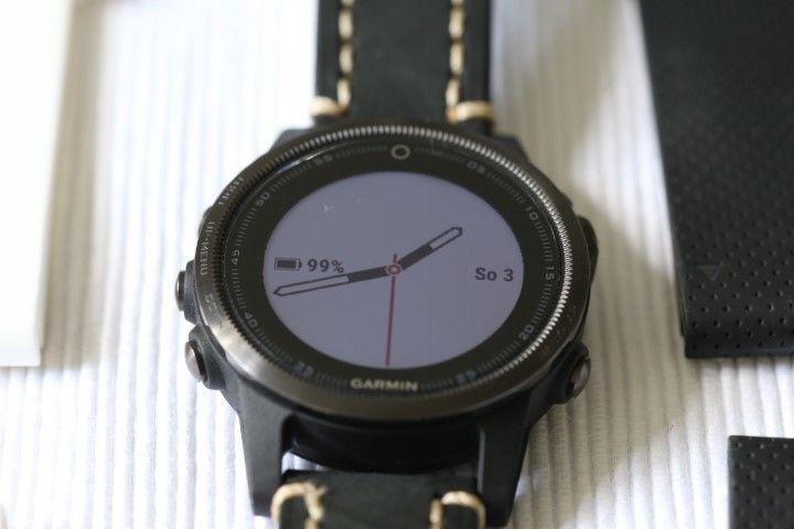 Garmin fenix 5S - Saphirglas-WLAN, schwarz, OVP, FÜNF Armbänder, neuwertig