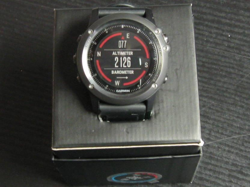 Garmin Fenix 3 Saphir HR GPS Multisportuhr mit Herzfrequenzmessung am Handgelenk
