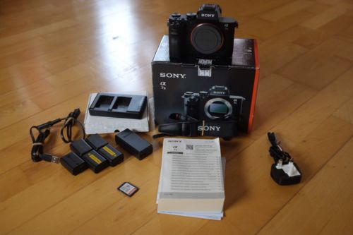 Sony Alpha 7 II 24.3 MP Digitalkamera - Schwarz