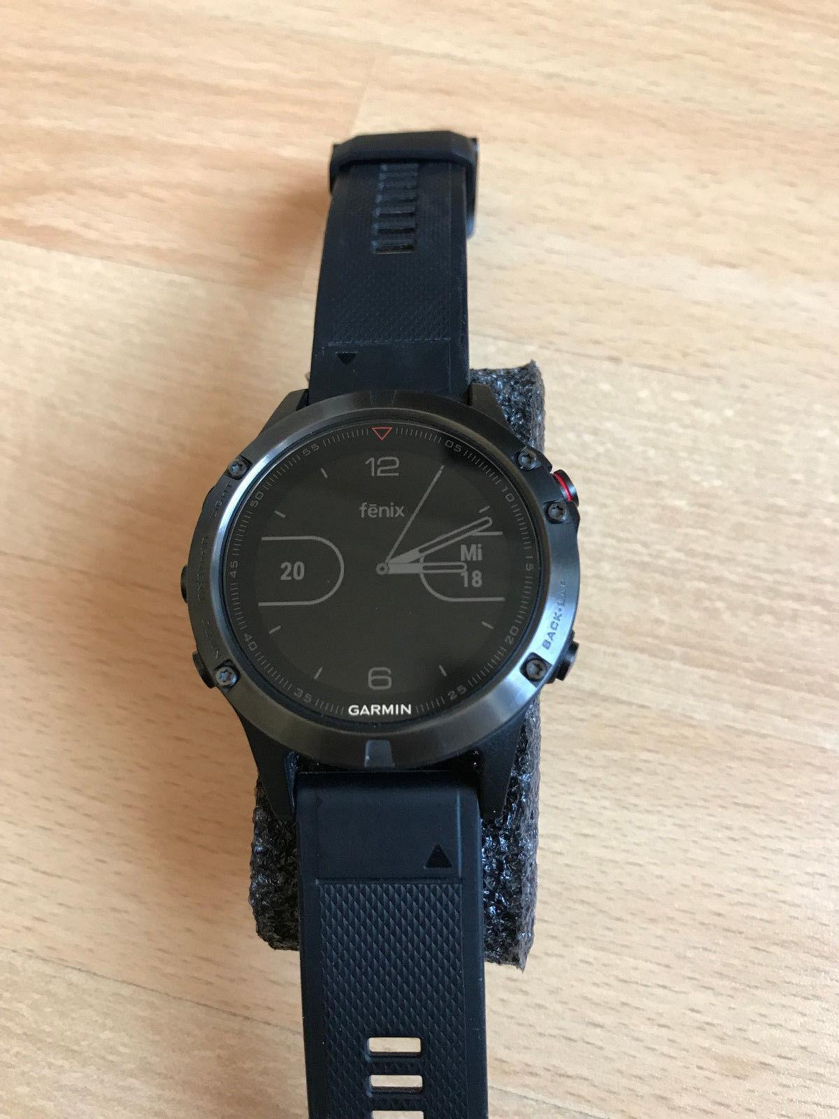 Garmin Fenix 5 grau mit schwarzem Armband  - neuwertiger Zustand
