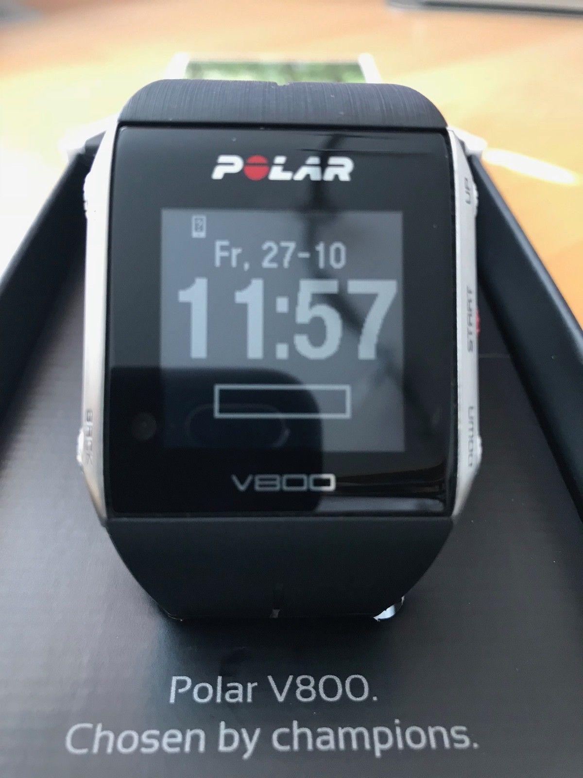 Polar V800 GPS Sportuhr Schwarz OVP  wie NEU div. Zubehör 2 Ladekabel Halterung