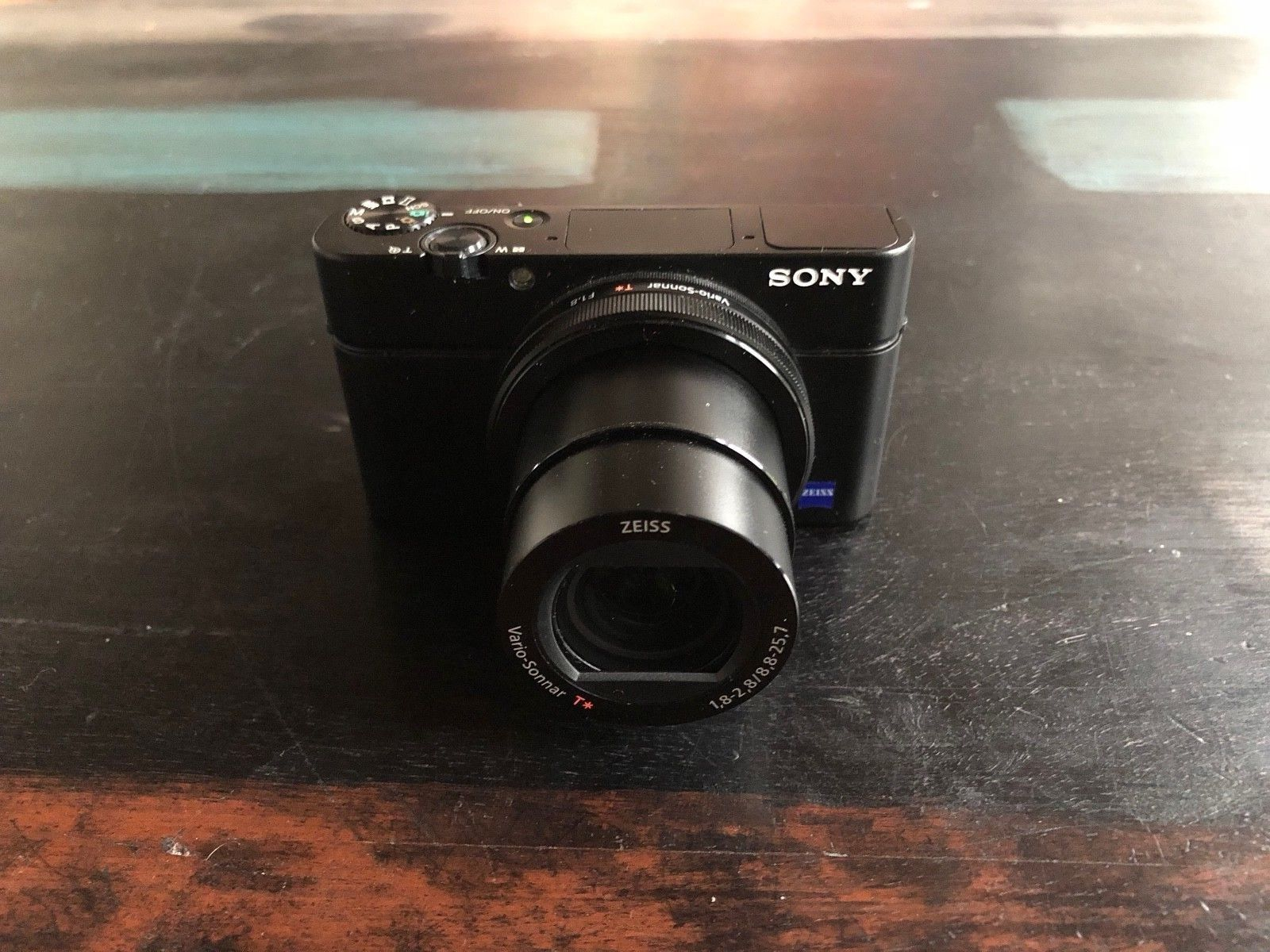 Sony DSC-RX100 III Cabershot Digitalkamera (WIE NEU & inkl SD Karte)