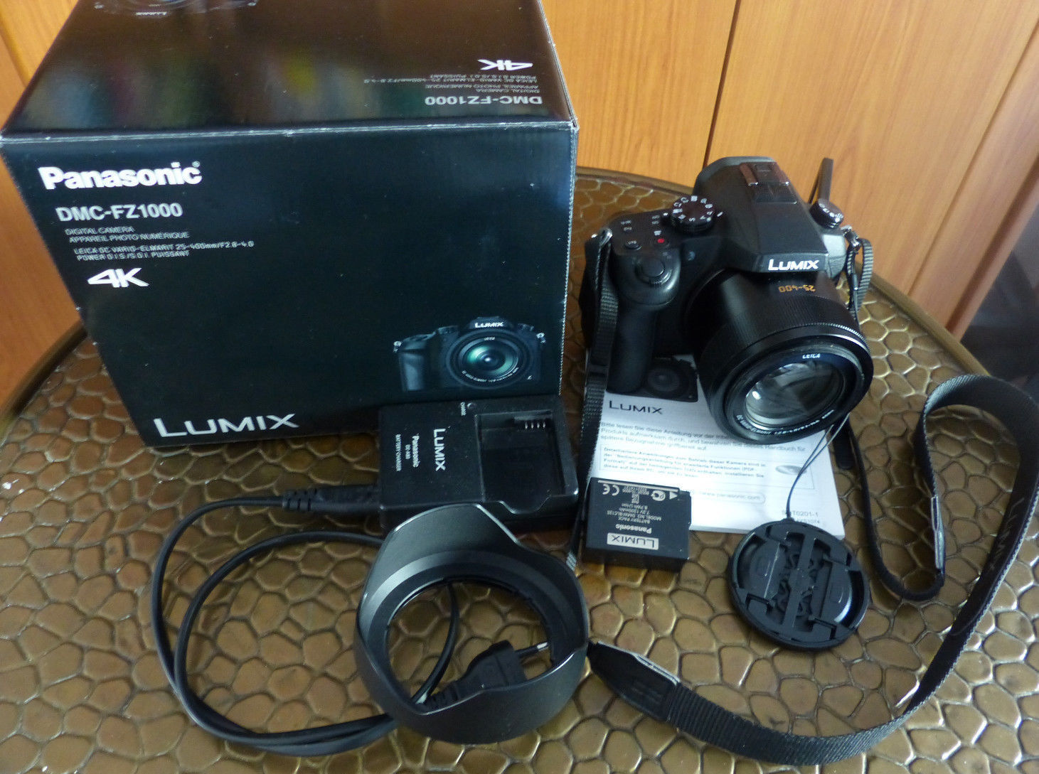 Panasonic LUMIX DMC-FZ1000 20.1 MP Digitalkamera - Schwarz, Garantie
