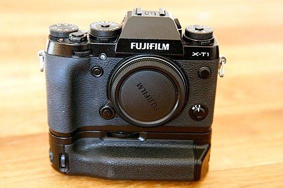 Fujifilm X-T1 mit Batteriegriff 16.3MP Digitalkamera - Schwarz (Nur Gehäuse)