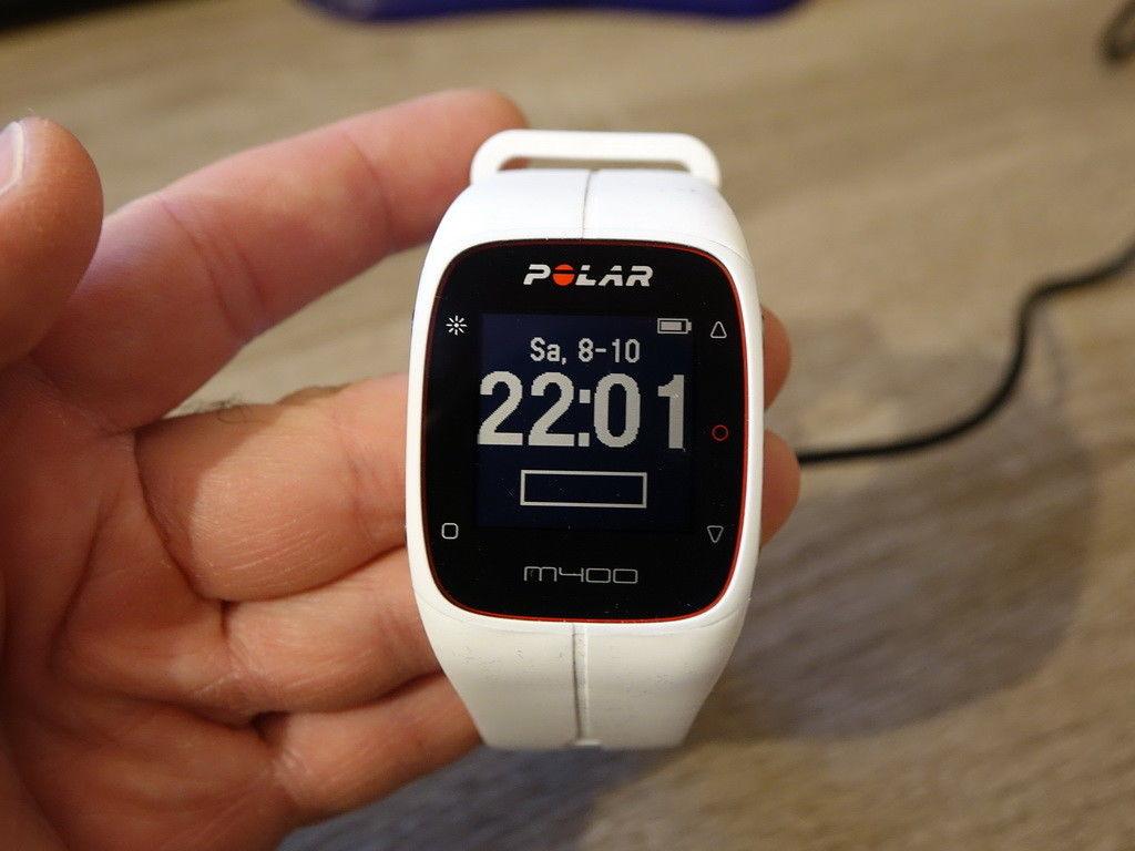 POLAR M400 - GPS Trainingscomputer - Weiß - mit Bluetooth Brustgurt