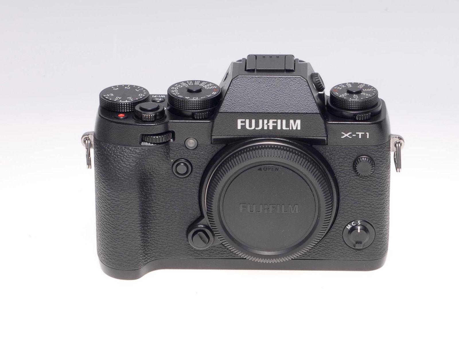 Fujifilm X series X-T1 Digitalkamera - Schwarz - Gehäuse mit Blitz - gebraucht