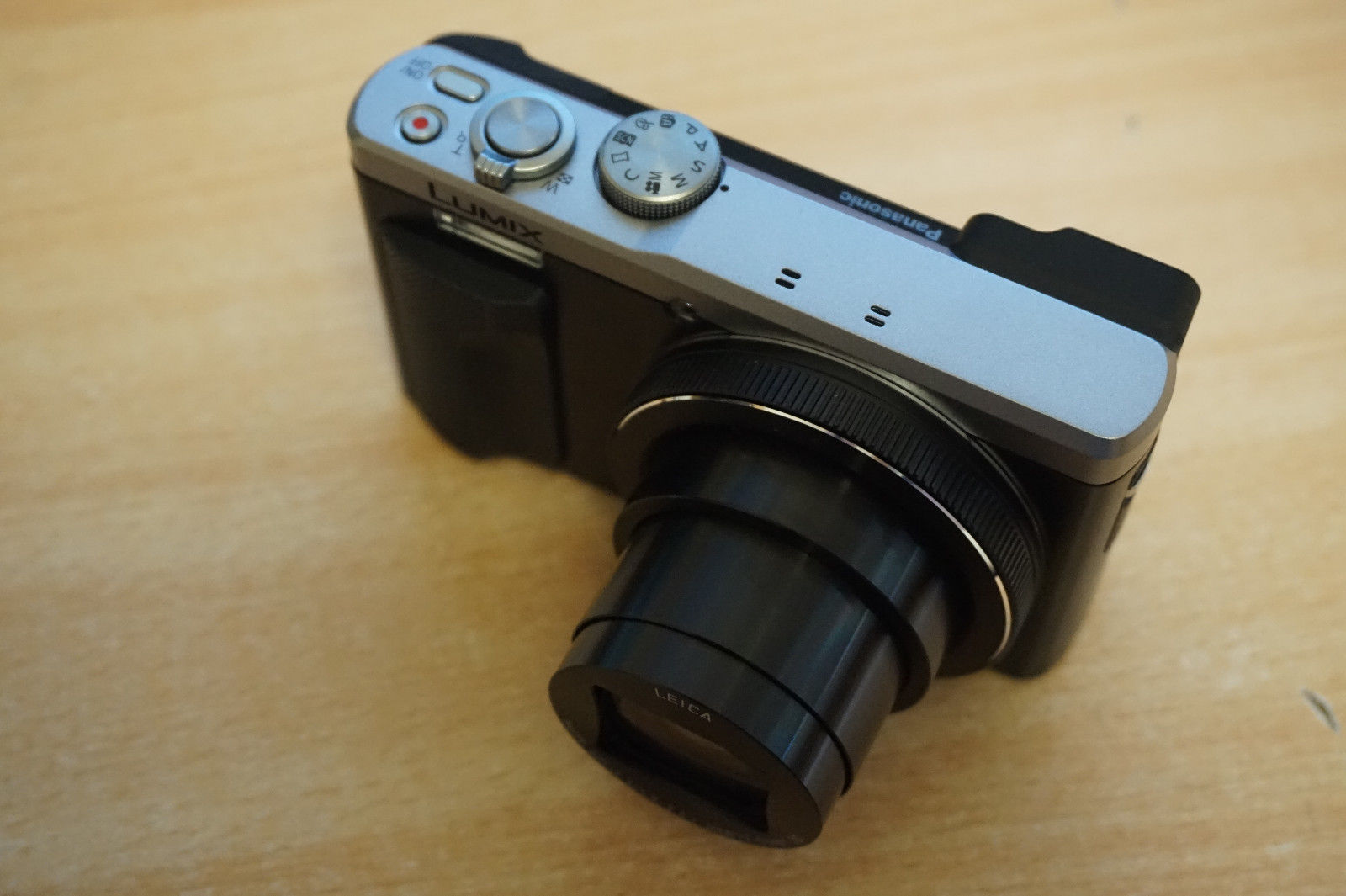 Panasonic Lumix DMC-TZ81 schwarz Kompaktkamera 30x Zoom Touchscreen 4k Wifi Vide