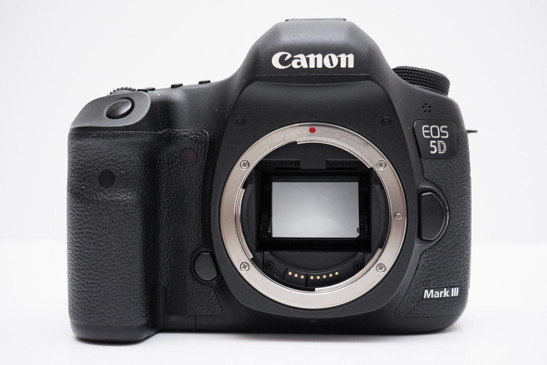 Canon EOS 5D Mark III 22.3 MP SLR-Digitalkamera - Schwarz (Nur Gehäuse)