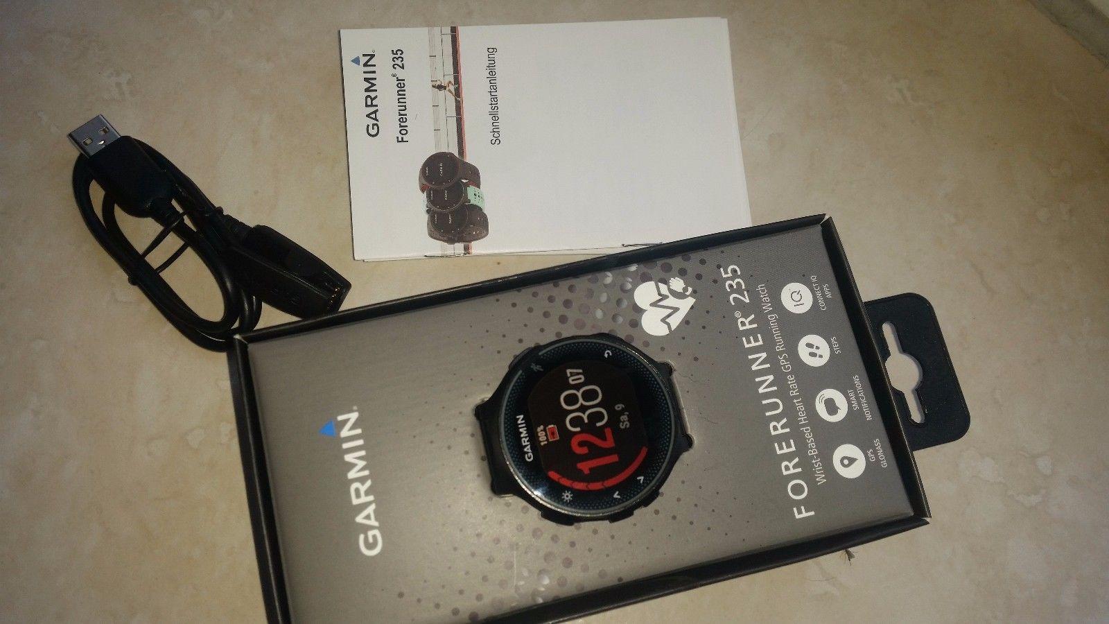GARMIN Forerunner 235 WHR GPS Laufuhr Smartwatch Schwarz + neues Armband