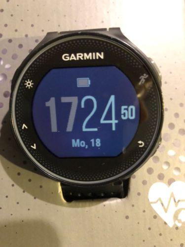 GARMIN Forerunner 235 , GPS Laufuhr Smartwatch ,Herzfrequenzmessung Schwarz/Rot