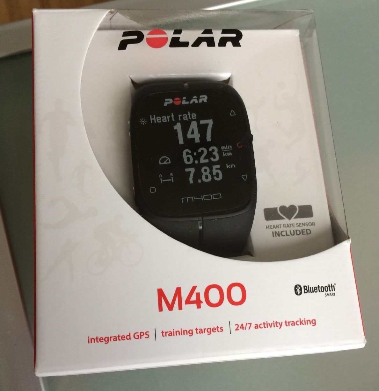 POLAR M400 - GPS Laufuhr - Trainingscomputer - Schwarz - mit Brustgurt