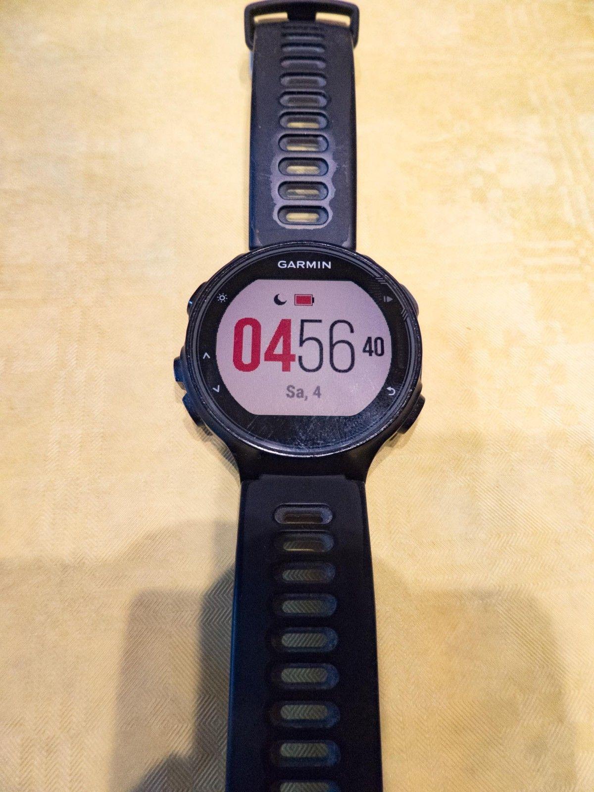 Triathlon-Uhr Garmin Forerunner 735XT