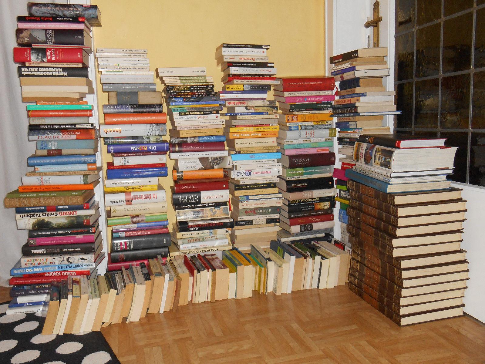 Sammlung 317 Bücher, mit Liste, gebunden & TB, Sachbücher & Belletristik