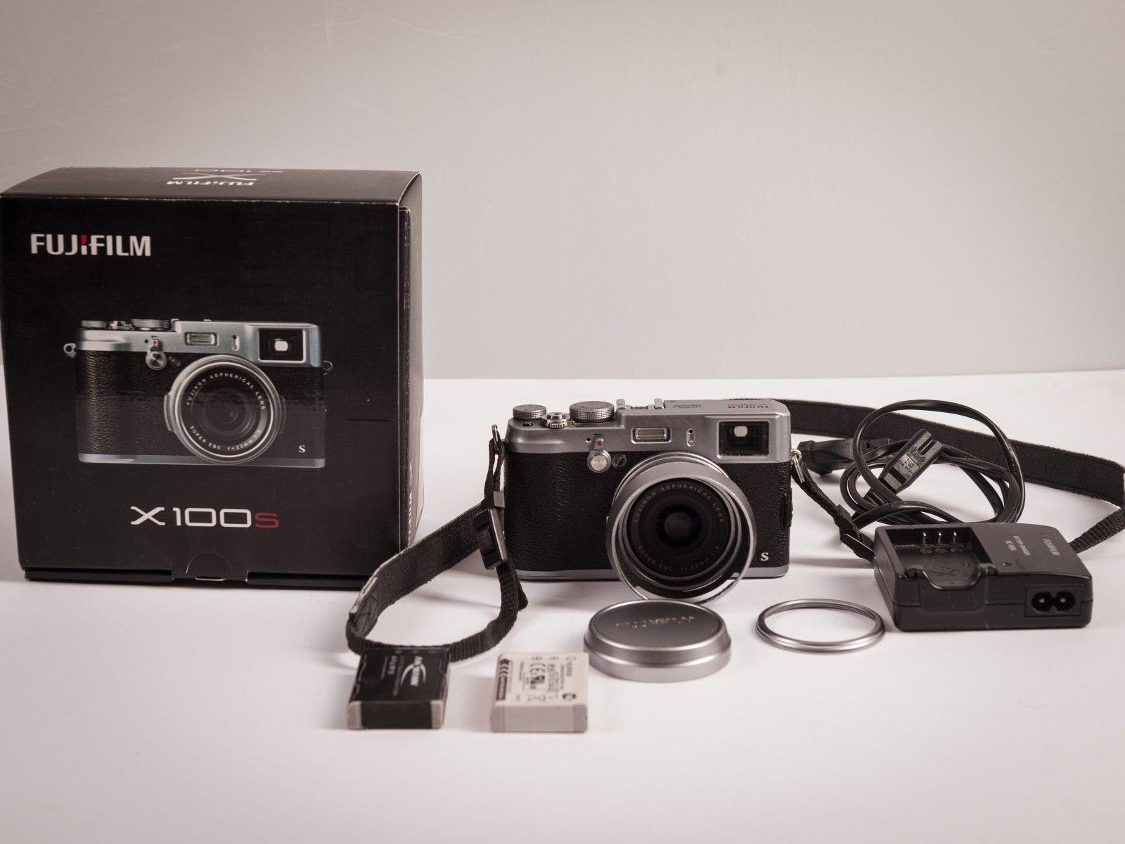 Fujifilm X series X100S 16.3MP Digitalkamera - Schwarz Silber (Kit mit EFL 23mm