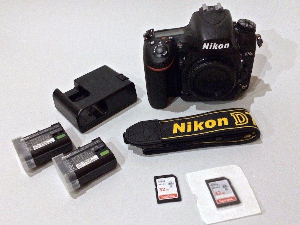 Nikon D750 24.3 MP 2 x Extra EN-EL15 3 x 32gb Sandisk unter 11.000 Auslösungen