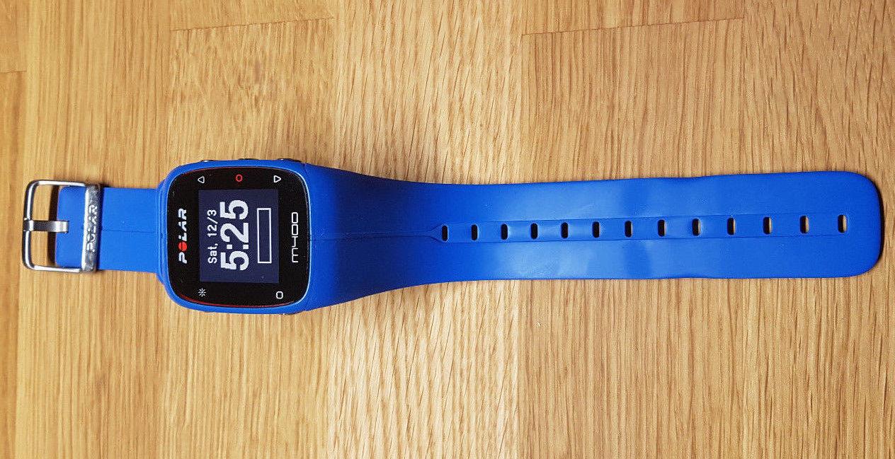 Polar M400 GPS-Laufuhr (blau) mit Brustgurt und restlicher Herstellergarantie