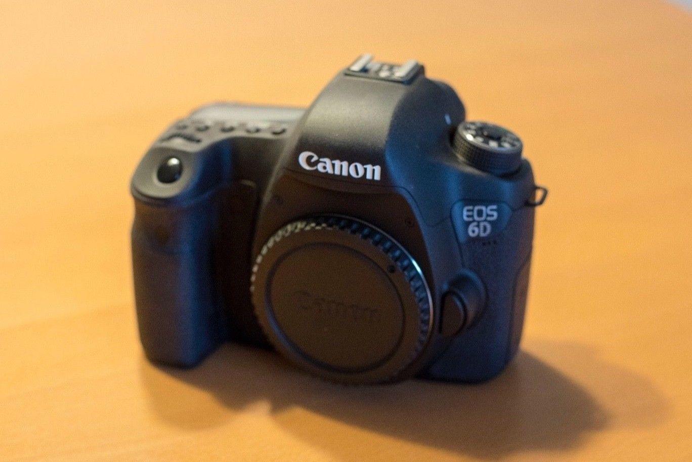 Canon EOS 6D 20,2 MP SLR-Digitalkamera - Schwarz (Nur Gehäuse) 1.100 Auslösungen