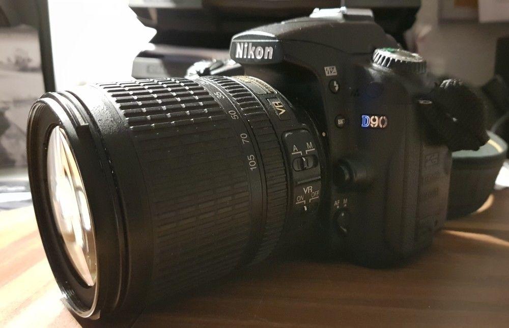Nikon D90 SLR-Digital + AFS-NIKKOR 18-105mm 1:3,5-5,6G ED // Spiegelreflexkamera