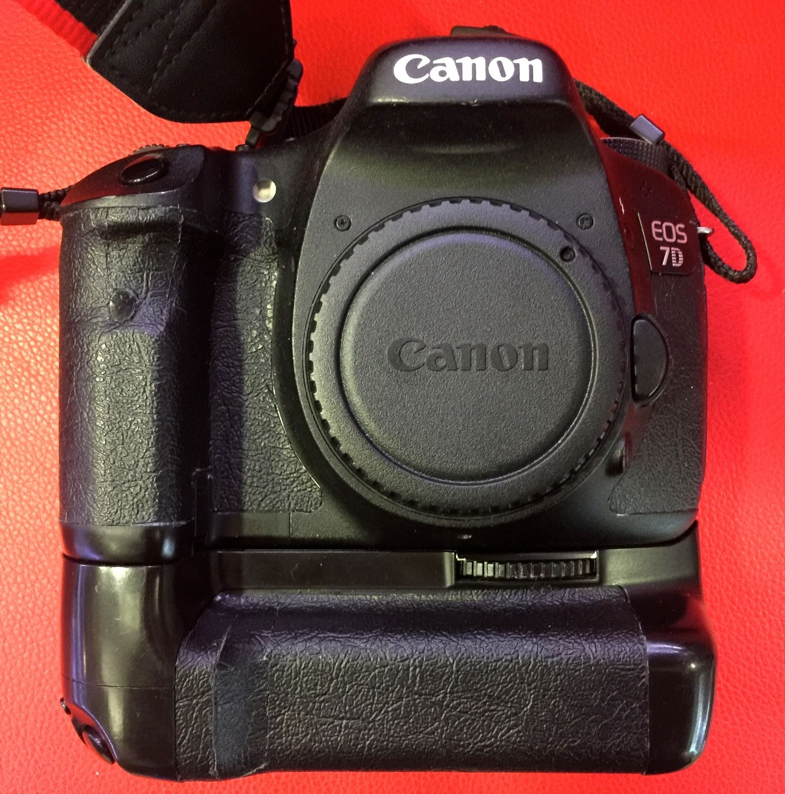 Canon EOS 7D 18.0 MP SLR-Digitalkamera - Schwarz (Nur Gehäuse) Guter Zustand!