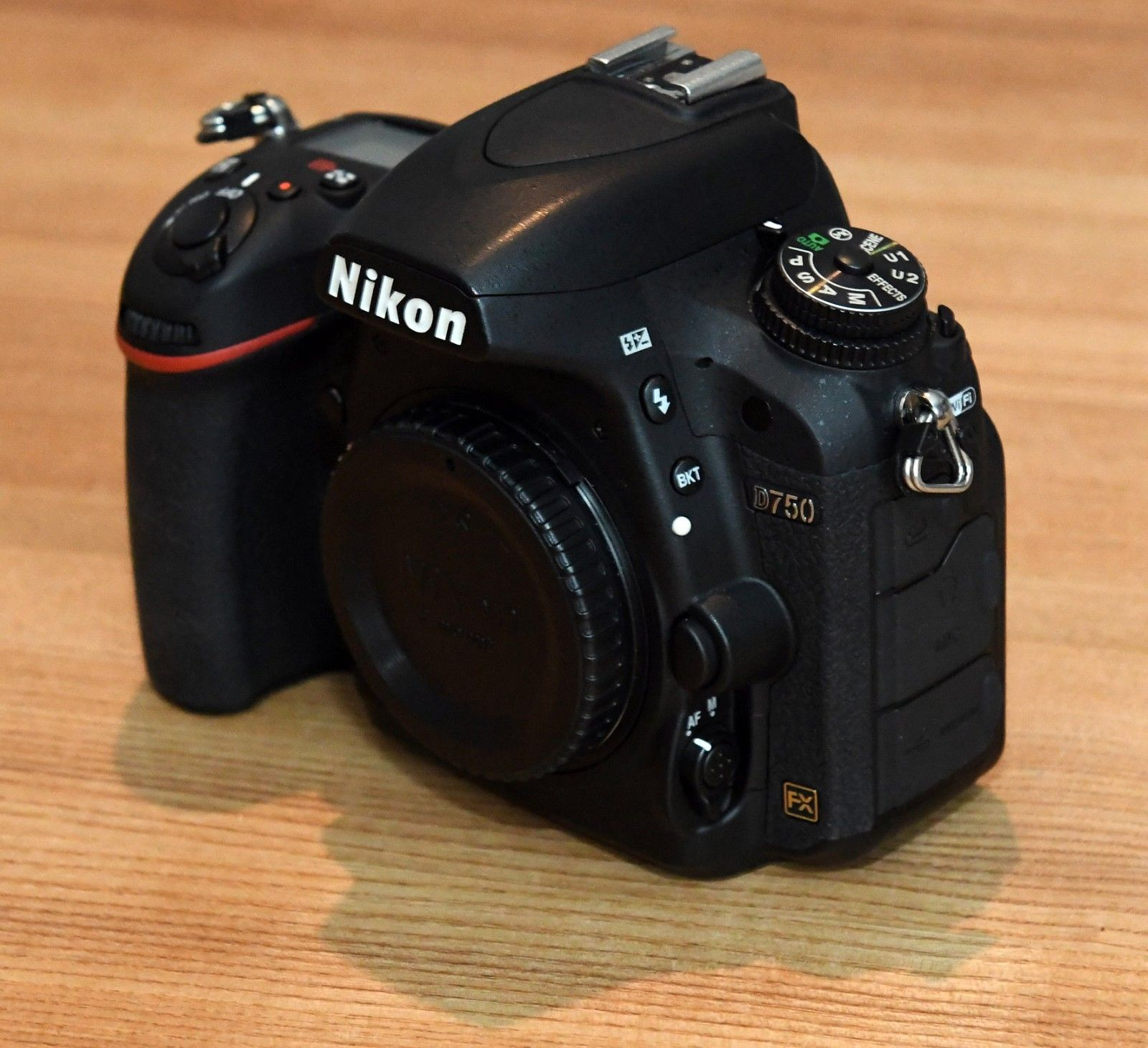 Nikon D750 24.3 MP SLR-Vollformat Digitalkamera (Nur Gehäuse)