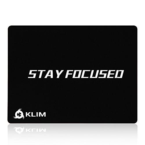 KLIM Stay Focused Hochwertiges Mousepad - Rutschfest - Extrem glatt - Langlebig - Perfekte Präzision für Gaming - 32 x 27 x 0,3 cm