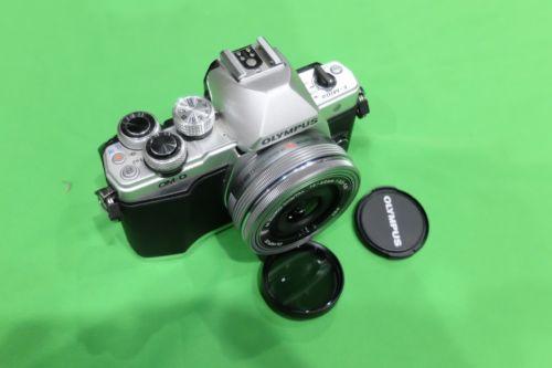 Olympus OM D E-M10 Mark II mit 14-42mm Neuwertig!