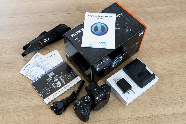Sony Alpha 7II, 24.3 MP Digitalkamera - Schwarz - nur 3.320 Auslösungen