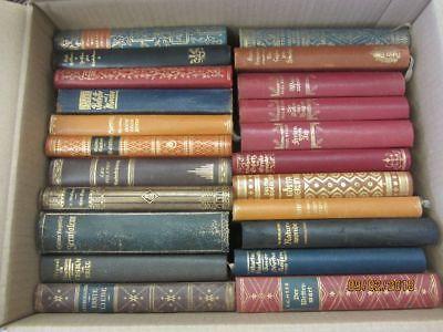 48 Bücher antiquarische Bücher mit edlem Lederbuchrücken