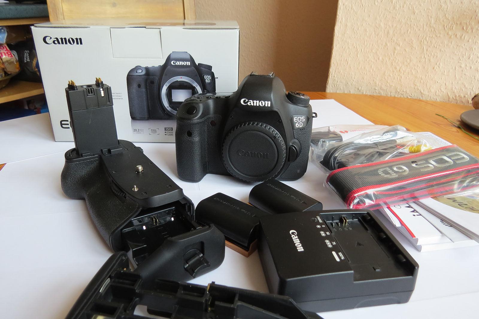 Canon EOS 6D 2.,2 MP SLR-Digitalkamera - (Nur Gehäuse) plus Batteriegriff