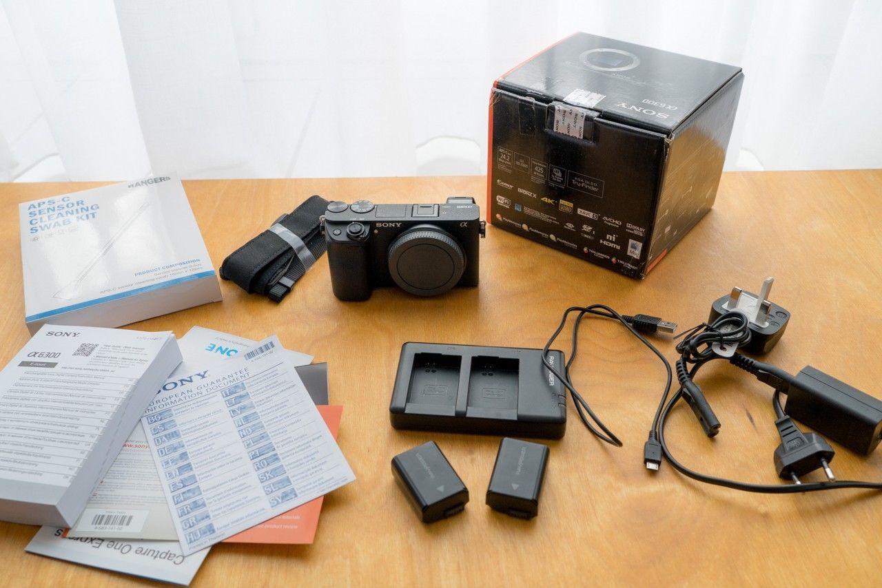 Sony Alpha 6300 E-Mount Systemkamera (24 Megapixel) + Zubehörpaket