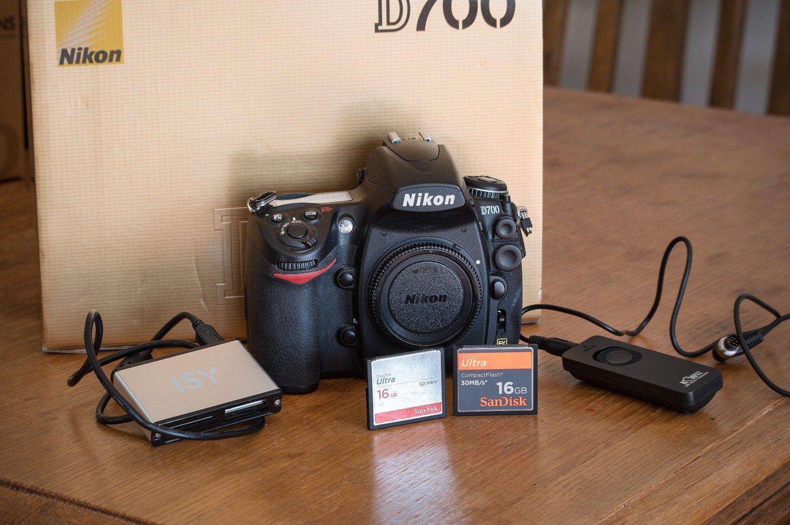 Nikon D700 in Top Zustand! Nur 19.576 Auslösungen! OVP mit Zubehörpaket!