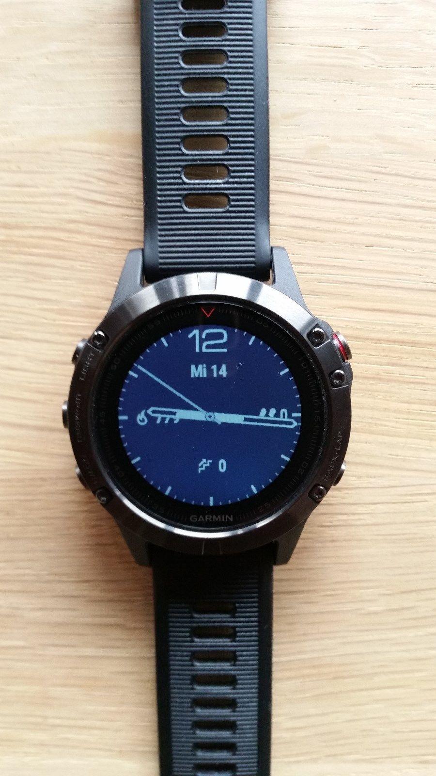 GarminFenix 5Multisport GPS-Smartwatch -neuwertig nur kurz benutzt