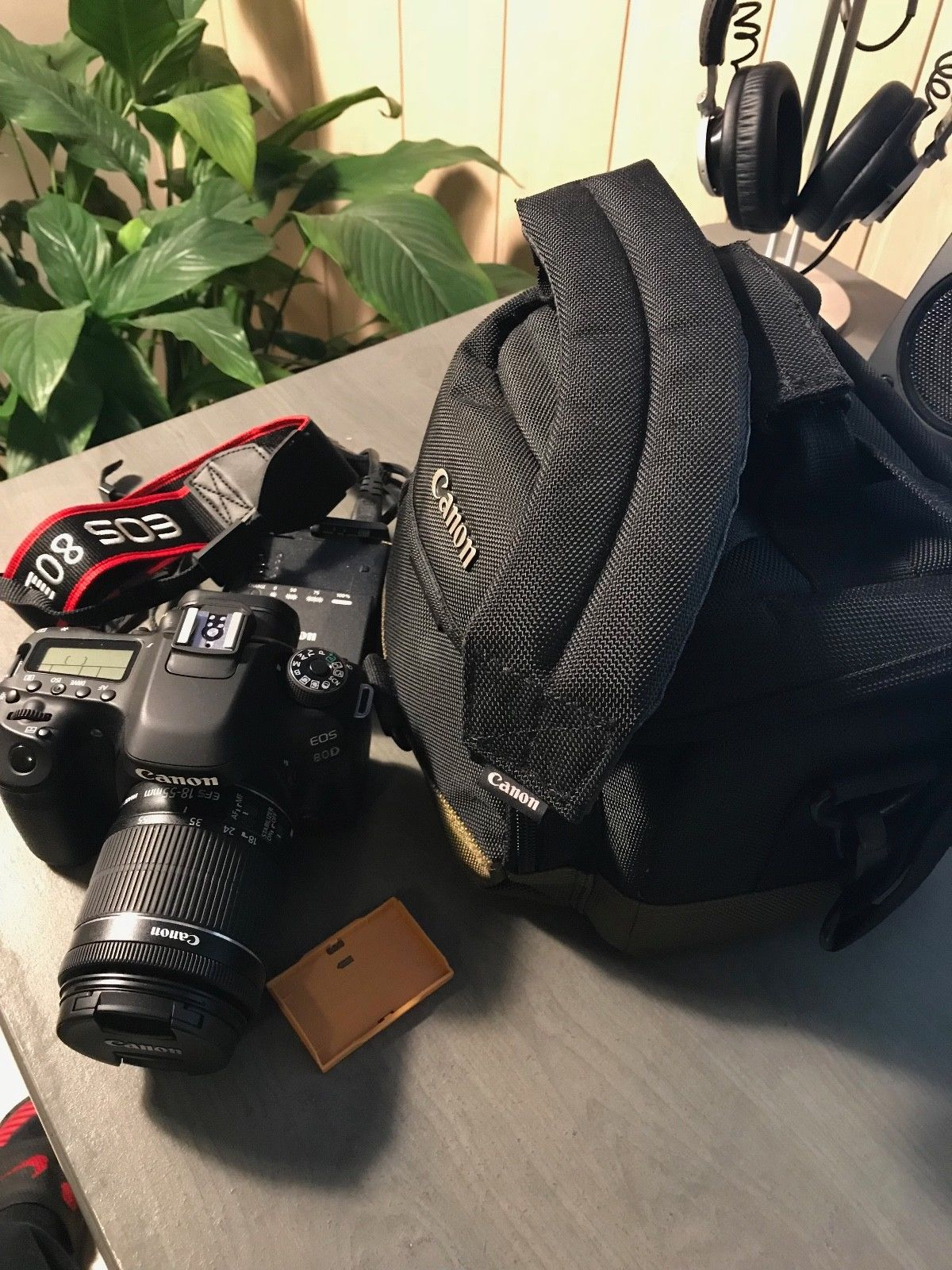 Canon EOS 80D Digitalkamera - (Kit mit EF-S 18-55mm Objektiv)