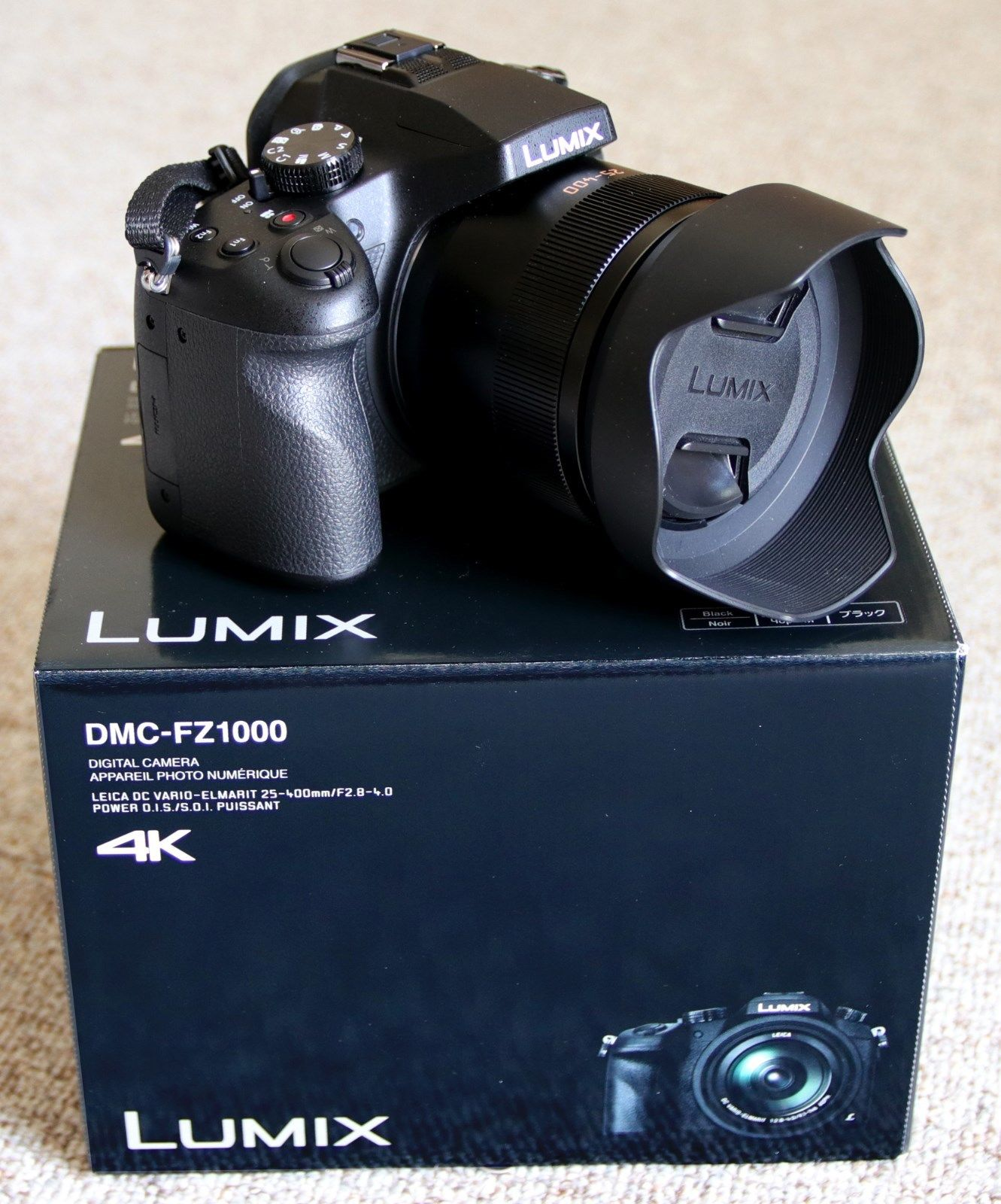 Panasonic LUMIX DMC-FZ1000 20.1 MP Digitalkamera OVP, plus Zubehörpaket